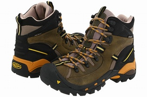 45a505e0923 Featured Review: (by Barbara Plocki), I have owned this boot for a year and  it has been great. I ordered a half size up from my keen shoes and clogs  and the ...